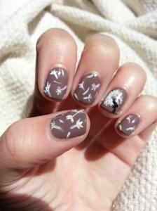 dandelion nail art mani