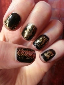 maybelline colorshow nail sticker aztec gold